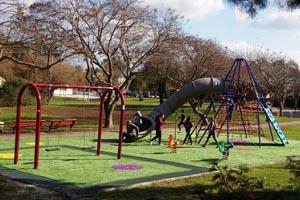 משטחי גומי לפארקים
